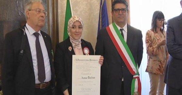 Mattarella umilia l'Italia, la sottomette all'islam: onorificenza all'estremismo islamico