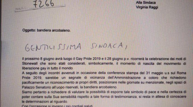 Roma, grillini vogliono bandiera gay sul Comune al posto del Tricolore