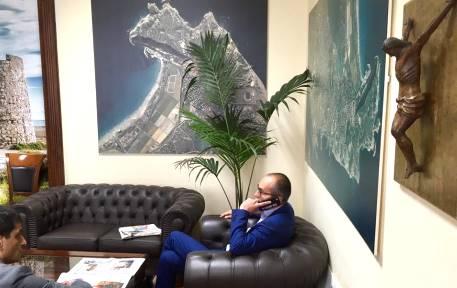 Cagliari, il nuovo sindaco rimette il Crocifisso