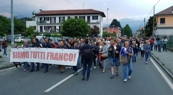 """Spara a Ladro, fiaccolata: """"Siamo tutti Franco"""""""