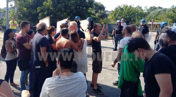 Rivolta Guidonia, puniscono i Rom che li hanno derubati: arrestati italiani