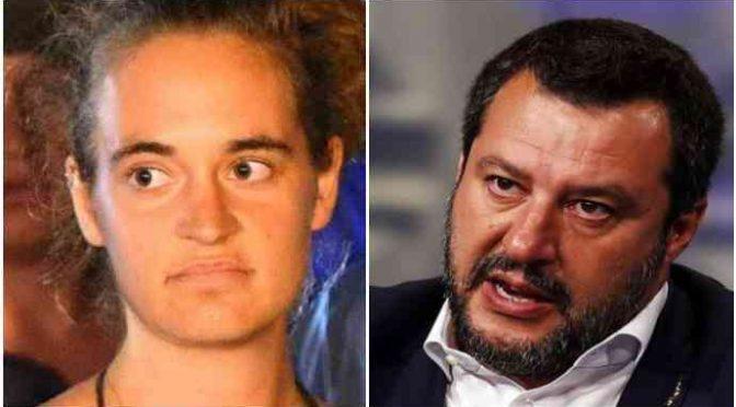 """Carola Rackete chiede il sequestro dei social di Salvini: """"Propaganda odio"""""""