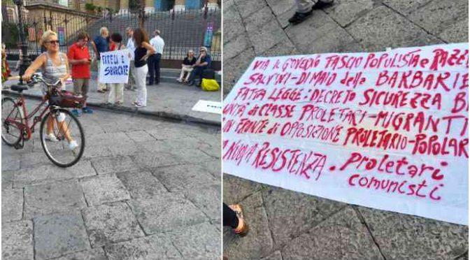 """Alla manifestazione pro-Ong si presentano in 3: """"Fateli sbarcare"""" – FOTO"""
