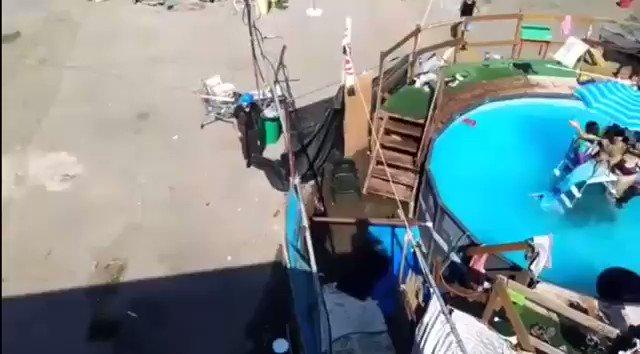 Ruspa al centro sociale: teppisti 'resistono' in piscina – VIDEO
