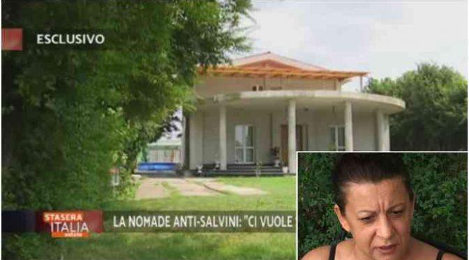 Arriva la ruspa di Salvini nel campo nomadi della 'zingaraccia'