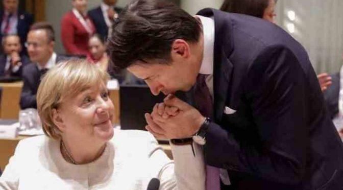 """Merkel tifa Bonaccini: """"Se vince lui, l'Italia firmerà il MES"""""""
