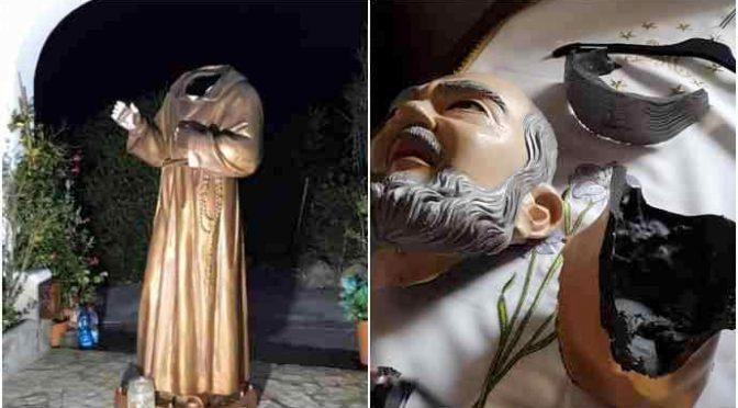 Decapitata in stile islamico la statua di Padre Pio a Ponza