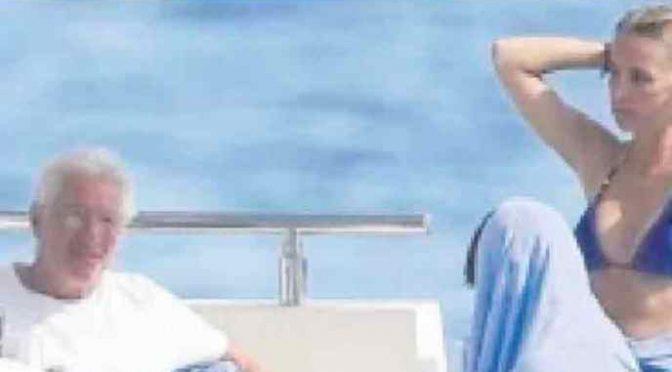 Le profughe di Richard Gere: dal barcone allo yacht