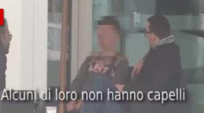 """La truffa dei finti minori sui barconi: """"Hanno 40 anni"""" – VIDEO"""