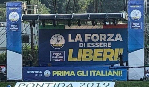 "Salvini a Pontida: ""Godetevi i porti aperti che presto li richiudo"""