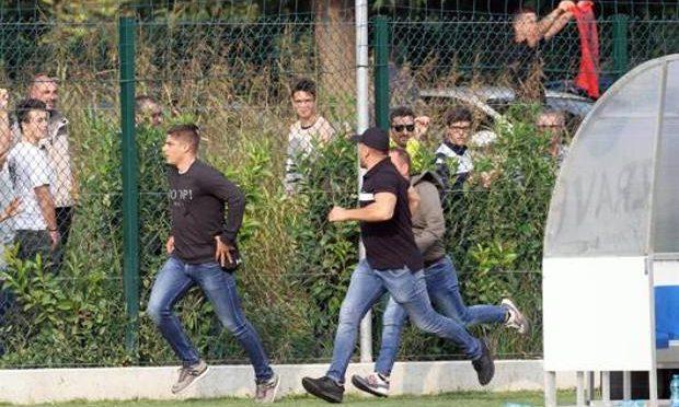 Caos multietnico durante amichevole Brescia, tifosi serbi a caccia di provocatori albanesi