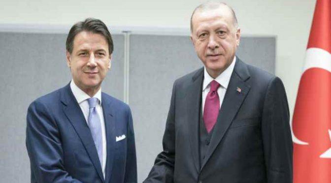 Coronavirus, Erdogan blocca 1 milione di mascherine dirette in Italia