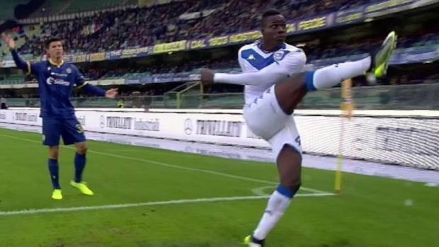 """Toghe indagano chi ha detto: """"Balotelli non è italiano"""", è osceno"""