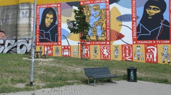 Milano, vietato murale anti-comunista: sì a quello pro-immigrati