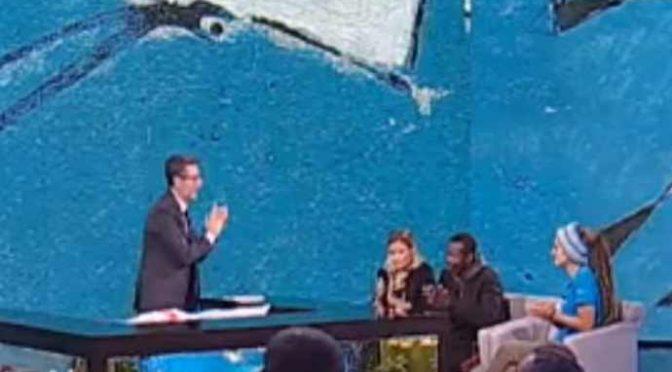 L'applauso in piedi di Fazio alla Rackete: il gesto che ha indignato l'Italia – VIDEO