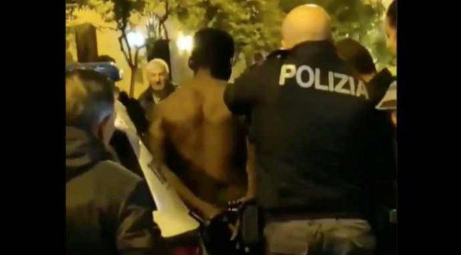"""Immigrato spranga donna, braccio spezzato: """"italiani di merd@"""" – VIDEO"""
