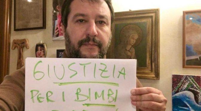 """Bibbiano, famiglie dei bimbi 'rubati': """"Aspettiamo Salvini"""" – VIDEO"""