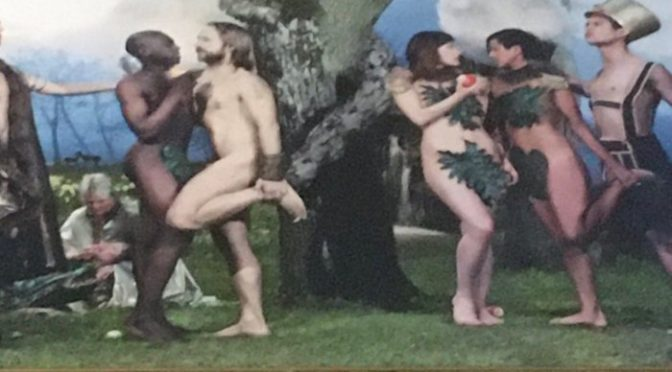 """Rimossa versione gay del Peccato originale, """"discrimina i trans"""" – VIDEO"""