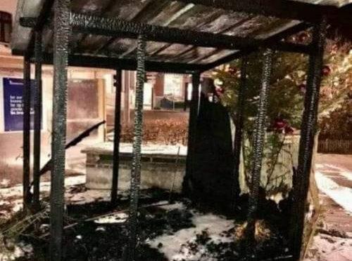 Attacco al Natale, incendiato presepe in Belgio