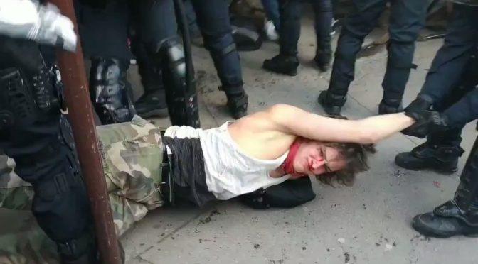 Gilet Gialli: dilaga la protesta anti-Macron e lui fa massacrare i manifestanti – VIDEO