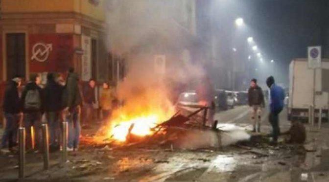 Milano, pompieri accerchiati e aggrediti in Via Gola: sono stati tutti immigrati – VIDEO