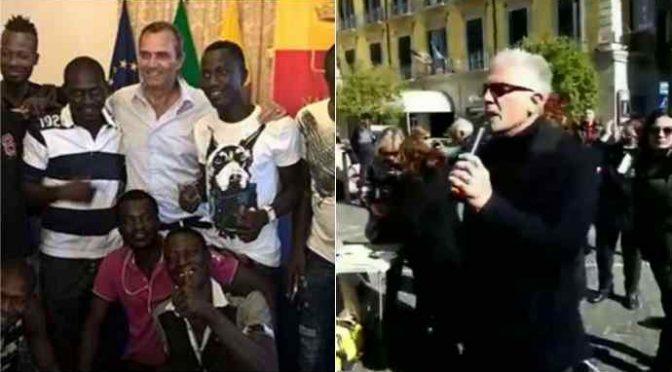 """Rivolta contro De Magistris: """"Pensi solo agli immigrati"""" – VIDEO"""