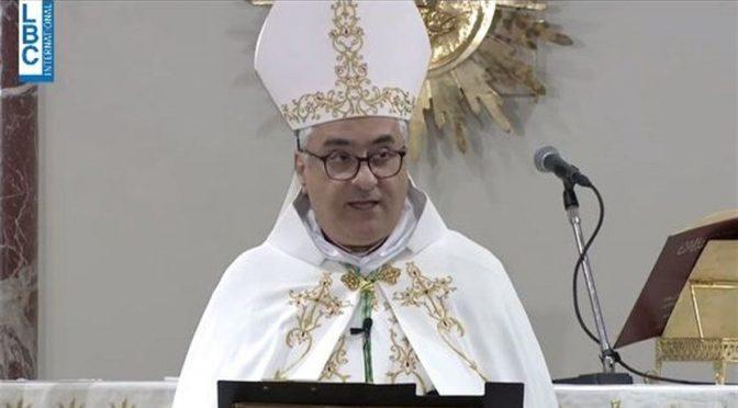"""Vescovo attacca i politici: """"Un vero leader non dà la cittadinanza agli immigrati"""""""