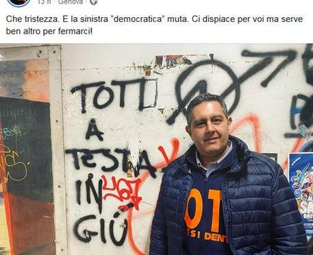 'Toti a testa in giù', scritta su muro a Genova