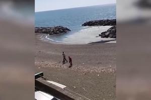 Coronafollia: elicottero dei carabinieri inviato a cacciare 2 persone che prendono il sole