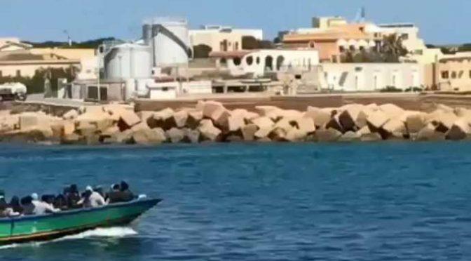 Siciliani non possono tornare a casa ma i clandestini possono sbarcare in Sicilia