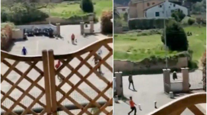 Voi chiusi in casa, per immigrati partita di calcio e picnic – VIDEO