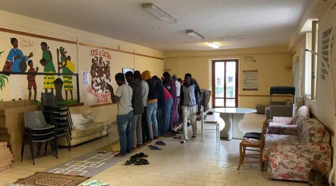 """Biancalani trasforma parrocchia in moschea: """"Dio non guarda religione"""" – FOTO"""
