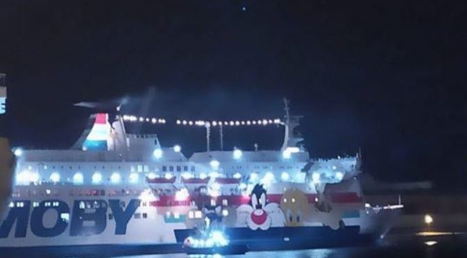 Un'intera nave per traghettare clandestina incinta infetta da coronavirus