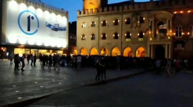 Concerti vietati ma non per gli africani, vergogna a Bologna – VIDEO