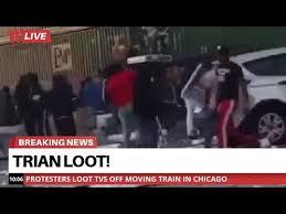 Pink Floyd: teppisti neri saccheggiano treno – VIDEO