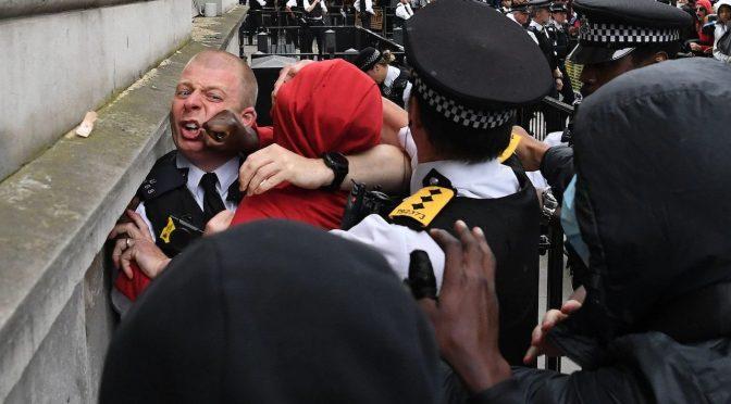 """Arcivescovo Canterbury: """"i cristiani bianchi si pentano"""""""