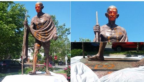 Neri vandalizzano la statua di Gandhi che li riteneva selvaggi