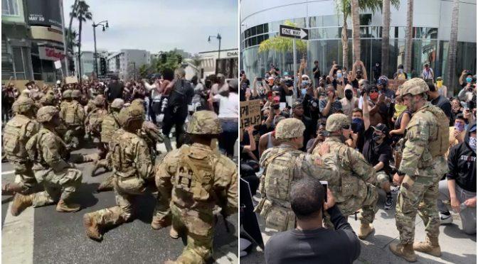 Le truppe della Guardia Nazionale si inchinano per adorare i Neri in California
