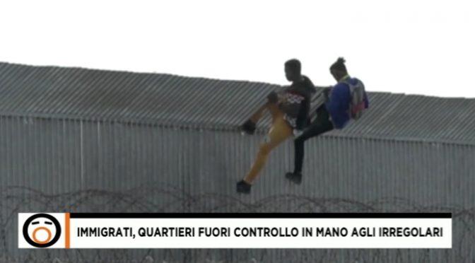 Immigrati fuggono dal centro accoglienza per andare a spacciare – VIDEO