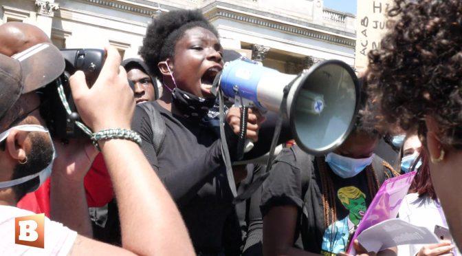 """Africani marciano su Londra: """"L'Occidente sta cadendo"""" – VIDEO"""