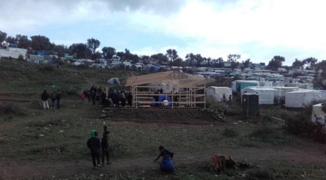 Lesbo, i clandestini costruiscono moschee abusive sull'isola greca