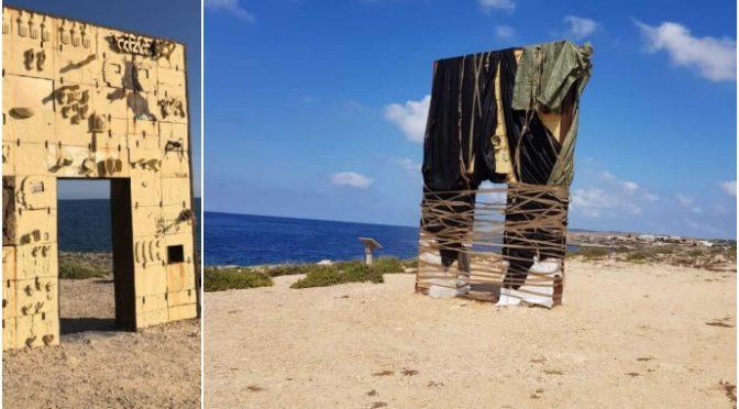 Lampedusani in rivolta impacchettato il monumento simbolo dell'invasione