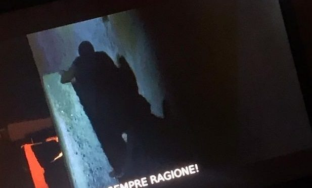 """""""Mussolini ha sempre ragione!"""": la scritta durante il film sulla tv dei vescovi"""