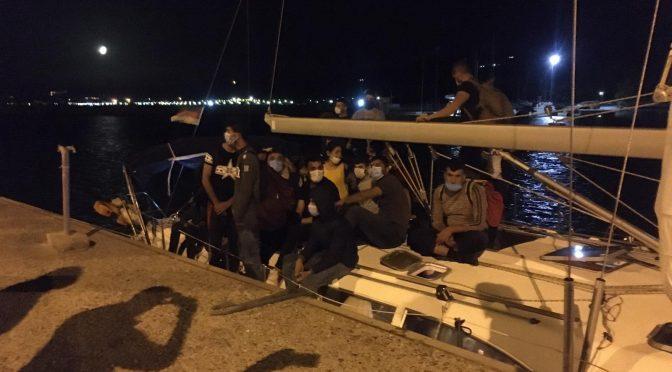 Veliero scarica 65 clandestini pakistani in Calabria