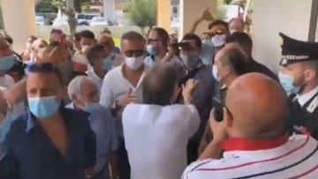 Clandestini infetti rimangono ad Amantea, non li vuole nessuno: cittadini in rivolta – VIDEO