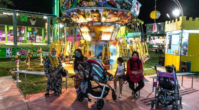 Alle Feste dell'Unità sono rimaste le 'donne' in burqa – FOTO