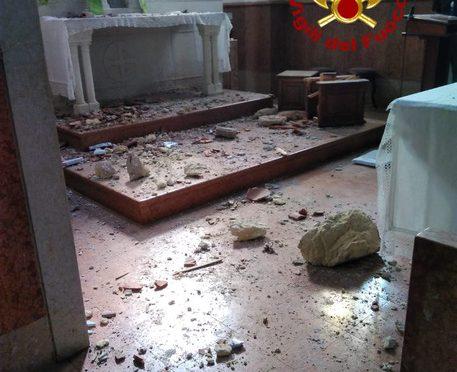 Verona, caduto pinnacolo chiesa romanica: sarà contento Berizzi