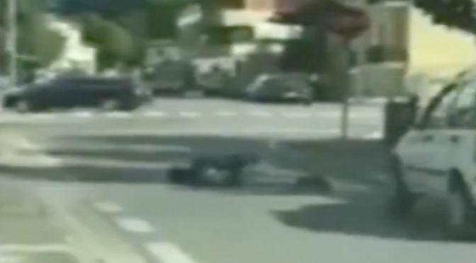 Immigrato dorme in mezzo alla strada – VIDEO