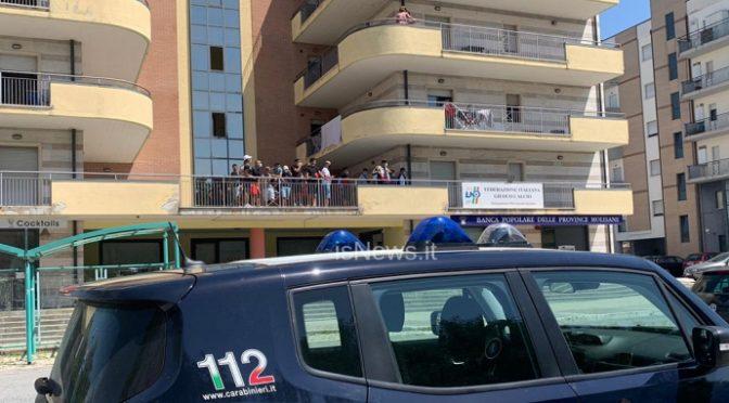 CLANDESTINI IN RIVOLTA: LA QUARANTENA IN HOTEL NON PIACE AI TUNISINI – VIDEO