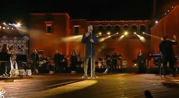Mahmood, rivolta per la canzone in arabo alla Notte della Taranta: «Cosa c'entra con noi?»